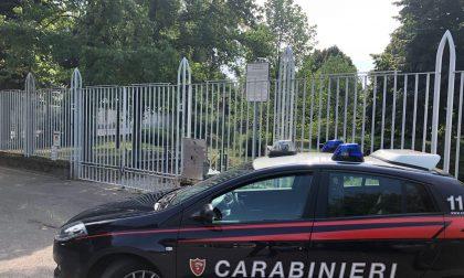 Chiusi dentro al parco, liberati dai carabinieri