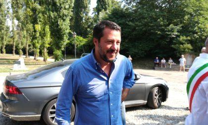 """""""Fascista e razzista"""", un anziano contesta Salvini VIDEO"""
