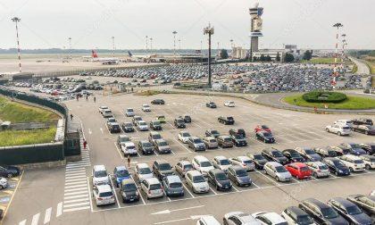 Auto rubata nel parcheggio a Malpensa: la ritrova altrove e con 300 km in più