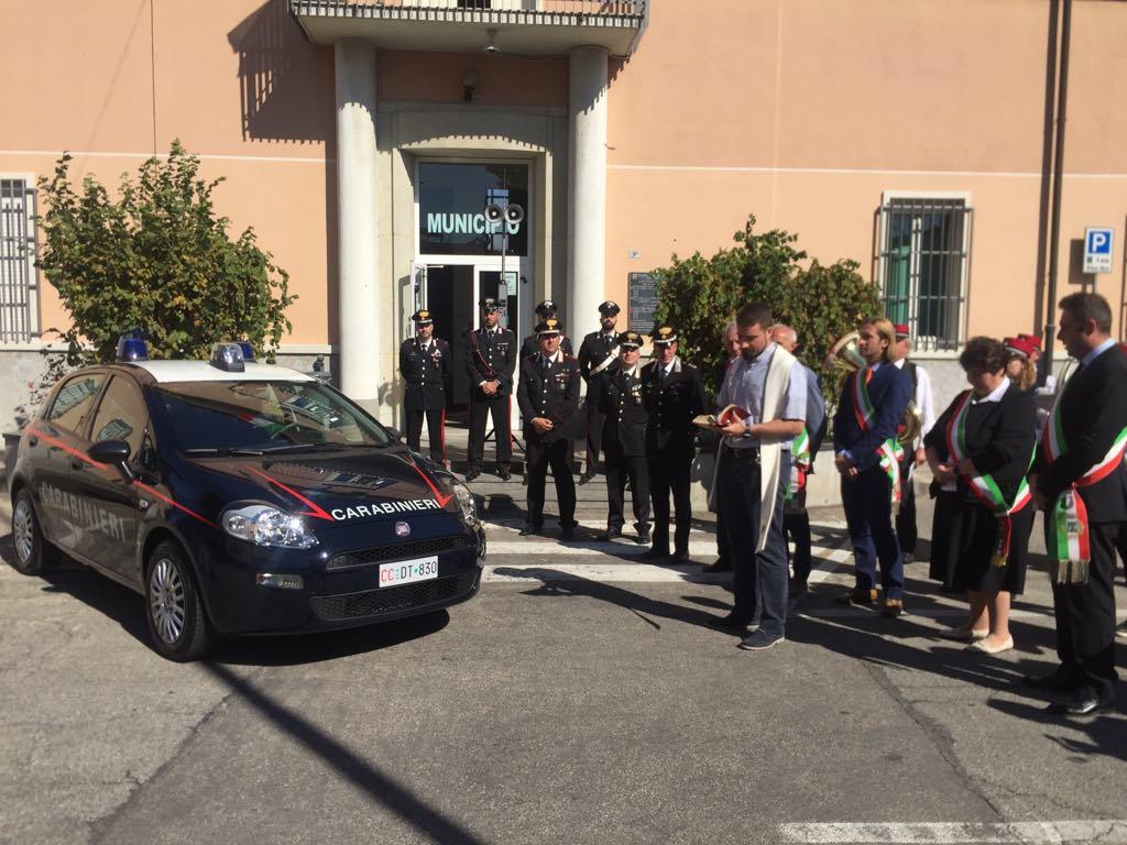Nuova auto ai carabinieri di Castano Primo donata da 5 comuni