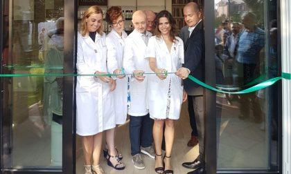 Taglio del nastro per la nuova farmacia comunale di Tradate