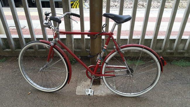 Razzia di biciclette a Tradate, derubato anche un ragazzino