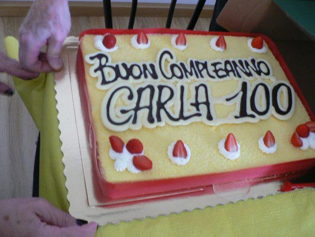 Parabiago, i volontari del Museo festeggiano i 100 anni di Carla Musazzi