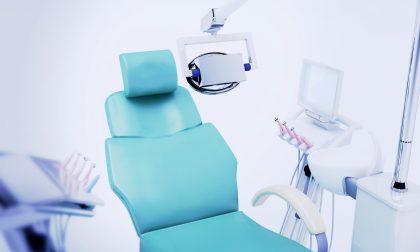 Implantologia Rho: quanto costa un impianto dentale, conviene andare all'estero?