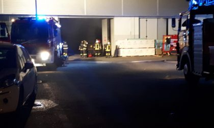 Incendio in ditta a Lazzate, danneggiato un macchinario