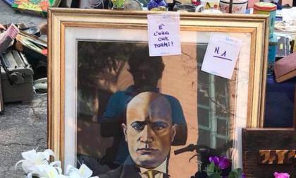 Mussolini in mostra al mercato delle pulci: espulso per due mesi