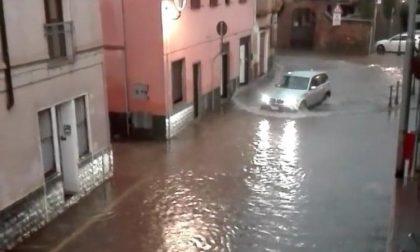 Strade allagate, ponti e sottopassi chiusi: città sott'acqua