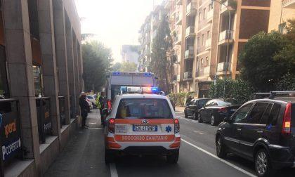 86enne investita in via Monti a Saronno FOTO