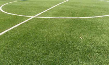 Inaugurato il campo in erba sintetica ma a Vedano i lavori continuano