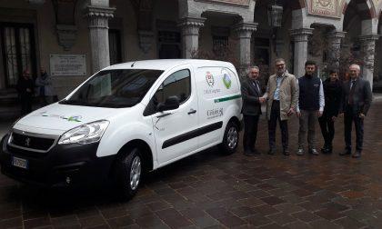 Primo veicolo elettrico al servizio del Comune di Legnano FOTO
