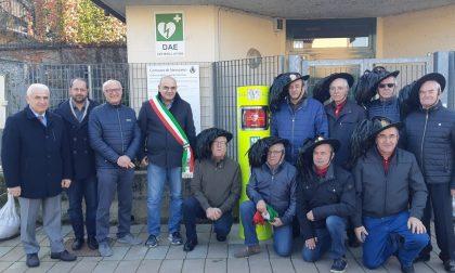 Nuovo defibrillatore a Nerviano grazie ai bersaglieri VIDEO
