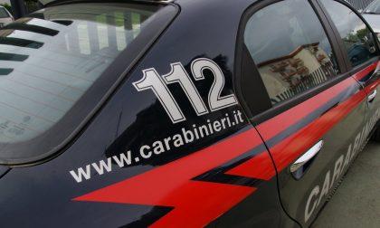 26enne minacciata e derubata in stazione a Rovellasca