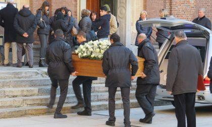 """Commosso addio a Fulvio, il """"frate"""" del centro di Legnano"""