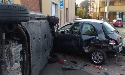 Auto cappottata a Gerenzano: ferita anche una bimba FOTO