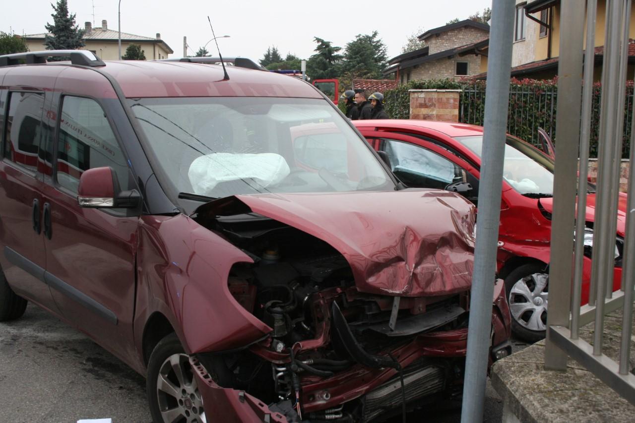 Dairago, incidente in un incrocio