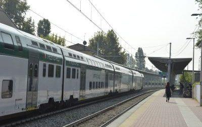 Minaccia di gettarsi sui binari, interrotta la circolazione dei treni