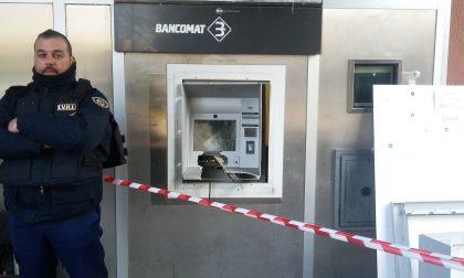Provano a derubare bancomat con un esplosivo FOTO