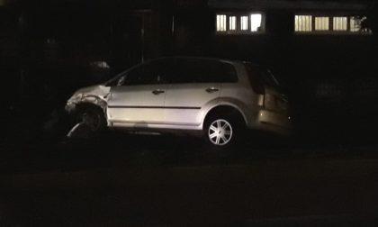 Incidente tra auto a Inveruno, ragazzo gravissimo FOTO