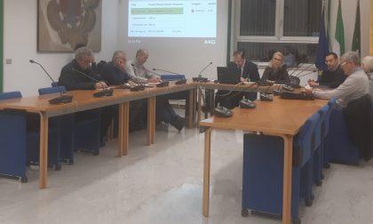 """L'opposizione diserta il Consiglio: """"Per solidarietà a Pera"""""""