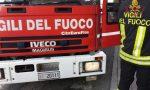 Resta chiusa fuori di casa col pentolino sul fuoco: arrivano i pompieri