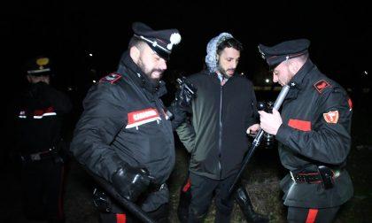 Fabrizio Corona con telecamere nascoste nel bosco della droga AGGREDITO (FOTO)