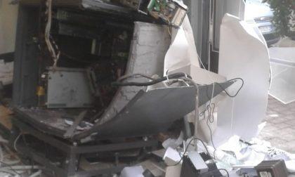 Esplosione a Vanzago: ladri fanno saltare il bancomat
