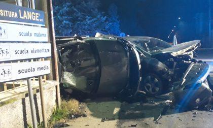 Incidente stradale a Robecchetto: un'auto si ribalta