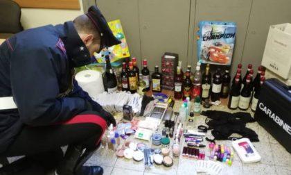 Shopping natalizio all'Esselunga senza pagare: denunciata 20enne