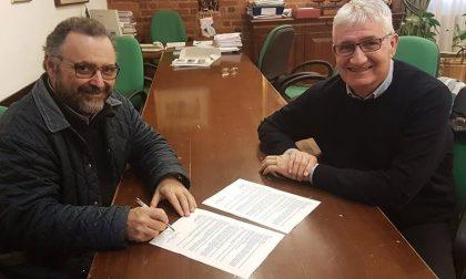 Rosate, la biblioteca diventa comunale: la firma