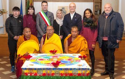 Monaci tibetani in visita a Ceriano Laghetto FOTO