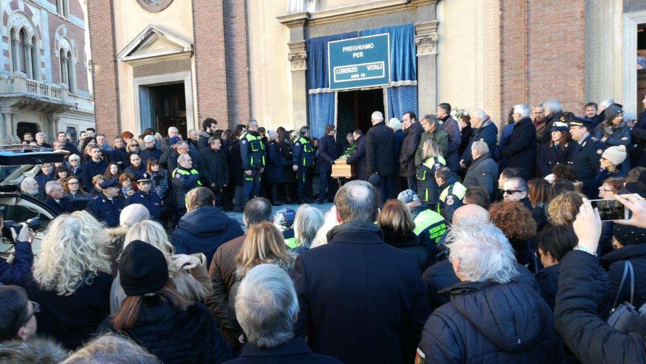 Legnano, funerali ex sindaco Lorenzo Vitali