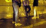 Baby gang cerca di rapinare due fratellini, salvato da un giovane straniero