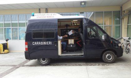 Carabinieri nelle piazze con la Stazione mobile