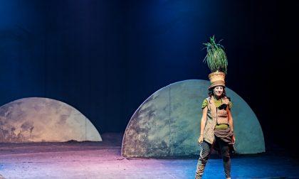 """Teatro in Comune: a Cisliano """"Piedi per terra, testa per aria"""""""