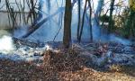 Incendio dietro il cimitero di Valera ad Arese FOTO