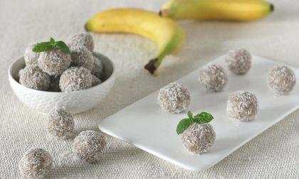Tartufini veggie di banana e cocco SAPORI A COLORI