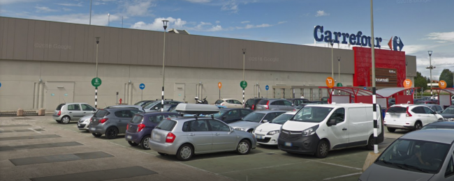Carrefour annuncia nuovi tagli in diversi punti vendita