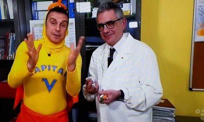 Il dottor Pregliasco e Capitan Ventosa misurano... la febbre