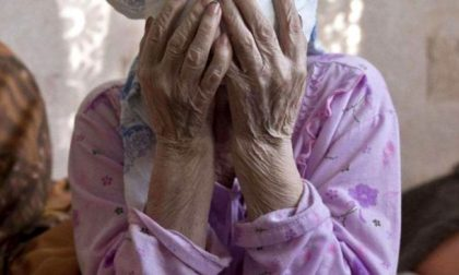 Minaccia di morte un'anziana, arrestata ex badante