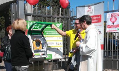 Defibrillatore inaugurato, si possono salvare vite fuori dalla chiesa FOTO