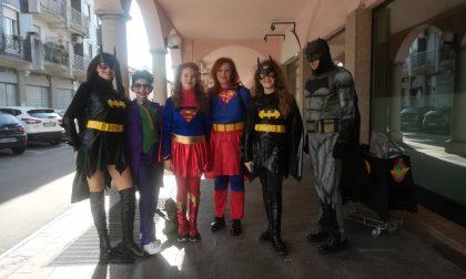 """Carnevale cardioprotetto, """"Supereroi"""" pronti a salvare vite col defibrillatore FOTO"""