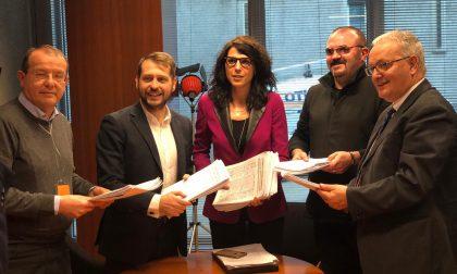 Raccolta firme ospedale di Tradate: consegnate in Regione le 25mila sottoscrizioni