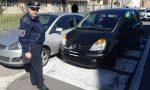 Malore alla guida, sbanda e danneggia tre auto FOTO