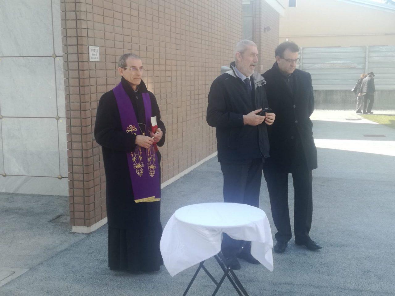 Rho, cerimonia per i nuovi loculi al cimitero