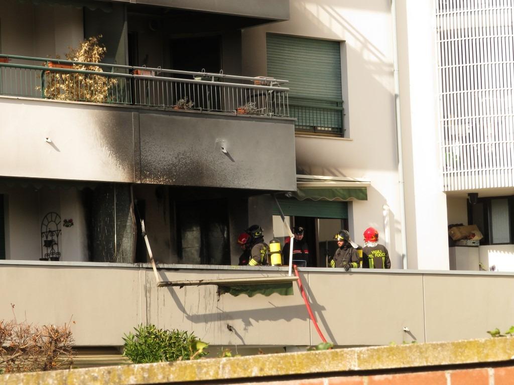 Legnano, incendio in un appartamento