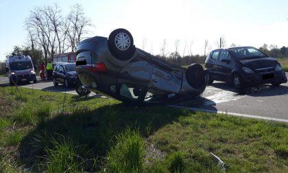 Incidente a Parabiago: coinvolte due auto e una moto FOTO