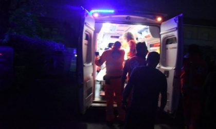Cade dalla bici: 24enne in ospedale SIRENE DI NOTTE