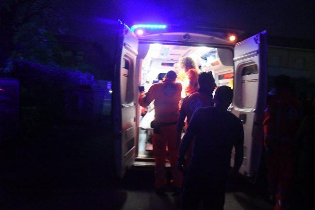 Rissa in centro: 26enne in ospedale SIRENE DI NOTTE