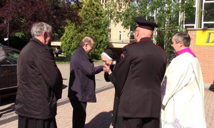 Mario Delpini, l'Arcivescovo in visita agli anziani del Cottolengo FOTO