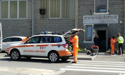 Incidente in via Galileo, motociclista ferito